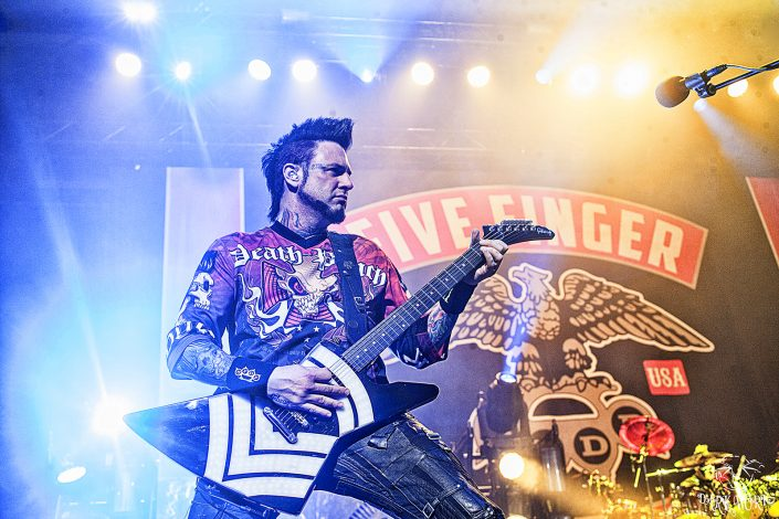FIVE FINGER DEATH PUNCH - Abbotsford - Concert Photo