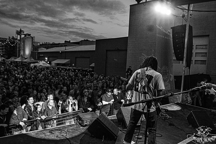 RED TRUCK Truckstop Concert Series 11-06-16 - Black Joe Lewis and the Honeybears - rwm - 5